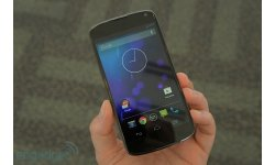 Nexus 4 modele blanc (8)